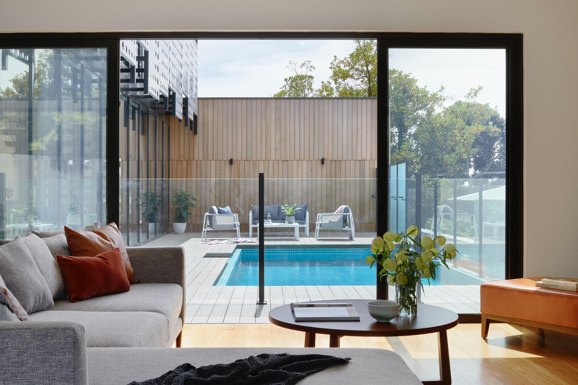 Where to Buy Outdoor Pool Railings